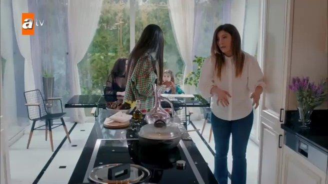 Gel Dese Aşk 4. yeni bölüm | Yasemin, Bahar ile evde karşılaşıyor!