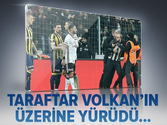 VODAFONE ARENA'DA TARAFTAR SAHAYA İNDİ!