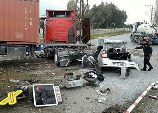 Aydın'da TIR otomobille çarpıştı: 1 ölü, 4 yaralı