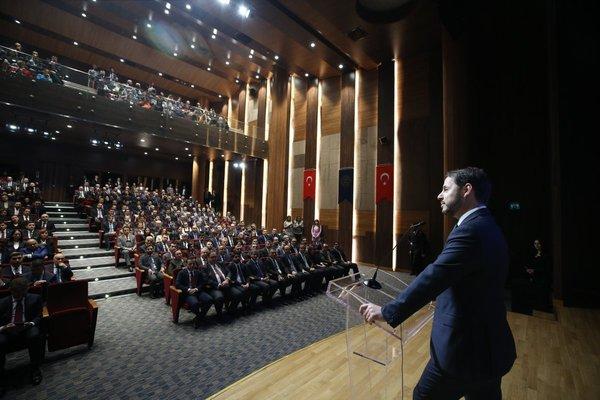 Son dakika: Hazine ve Maliye Bakanı Berat Albayrak 'Performans ve Başarı Ödülleri' mesajı 1