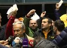 CENGİZ ÖZYALÇIN'A BEYAZ MENDİLLİ PROTESTO