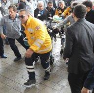 Van'da çığ altından kurtarılan yaralılar hastaneye getirildi