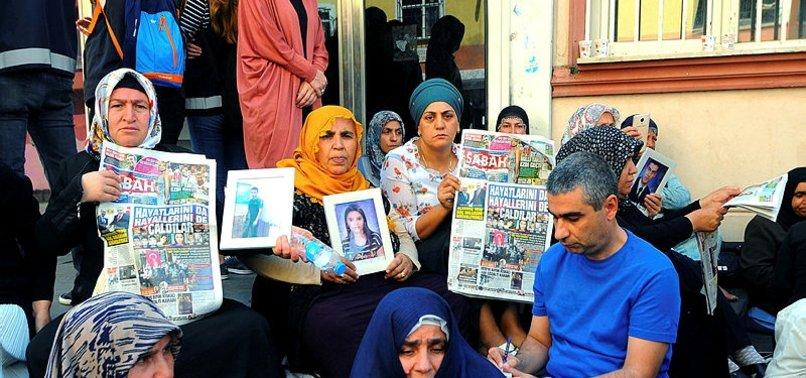 ANNELERİN HDP ÖNÜNDEKİ NÖBETİ PKK'YI TEDİRGİN ETTİ