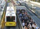 Ekrem İmamoğlu'nun ulaşıma yaptığı fahiş zam İBB önünde protesto edildi