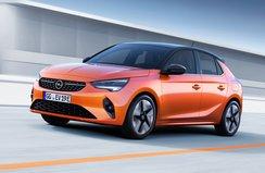 Opel yeni otomobilleri ile sahnede!