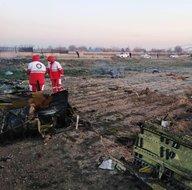 İran'da düşen uçağın enkazından ilk görüntüler!