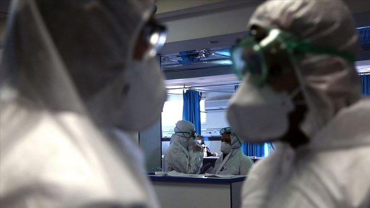 Kusma, baş ve boğaz corona belirtisi mi? Koronavirüs belirtileri neler? İşte gün gün corona virüsü belirtileri