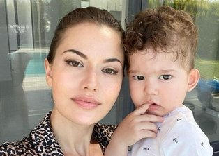 Burak Özçivit'in eşi Fahriye Evcen'den Karan ile paylaşım: Babası gibi keskin bakışlım...