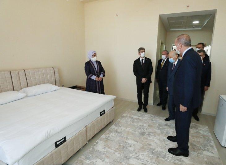 Başkan Erdoğan Bitlis'te! Ahlat Gençlik Merkezi'nin açılışını yaptı