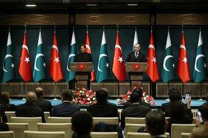 Başkan Erdoğan: Pakistan'ın FETÖ kararı memnuniyet verici