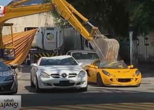 Milyonluk lüks araçlar kepçeyle ezildi!