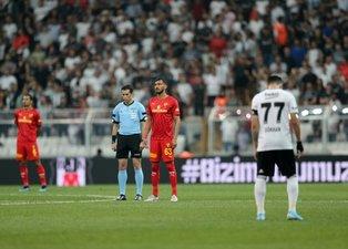 Son dakika: Beşiktaş - Göztepe maçında Emine Bulut için sessiz protesto