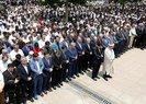 Yüz binler Mursi için gıyabi cenaze namazı kıldı!