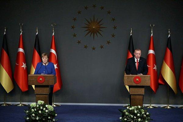 Son dakika: Başkan Erdoğan: Libya'da Serrac'ı yalnız bırakmayacağız!