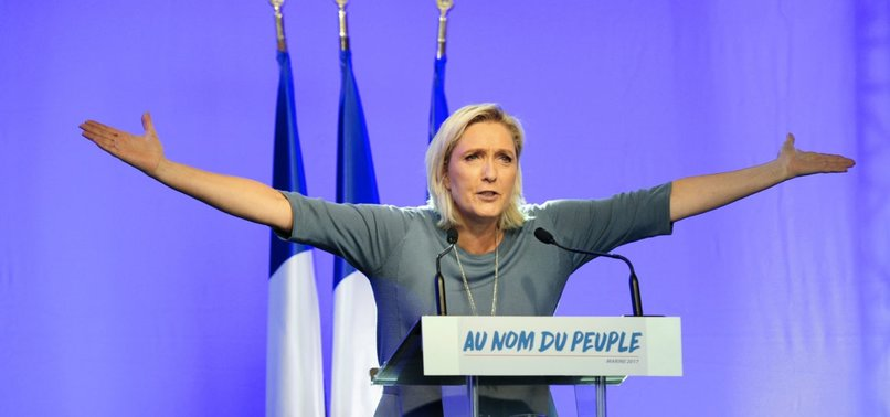 LE PEN'İN PARTİSİNE POLİS BASKINI