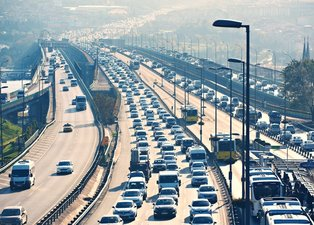 Milyonlarca araç sahiplerine sevindiren haber! Trafik sigortasında zam yarı yarıya indi