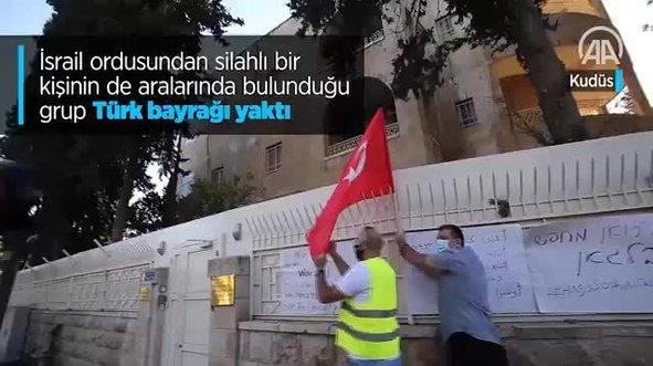 Türk konsolosluğu önünde alçak hareket! Türk bayrağı yaktılar