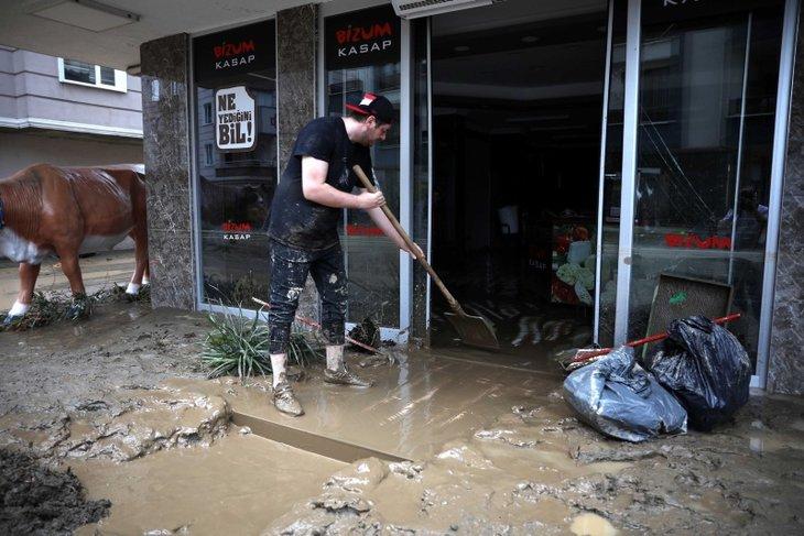Rize ve Artvin'de sel felaketi | Başkan Erdoğan'dan 'kentleşme' uyarısı