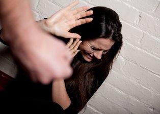 Kadına şiddete taviz yok! 5 bakanlıktan flaş adım!