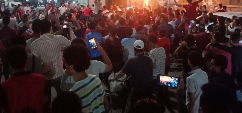 MISIR HALKI SOKAKLARA DÖKÜLDÜ! MISIR'DA SİSİ_OUT HAREKETİ!